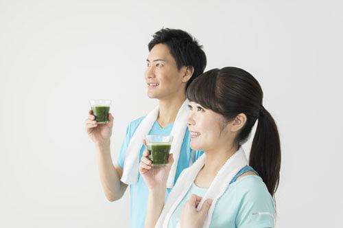 すっきりフルーツ青汁には野菜と果物の栄養素プラス美容成分もたっぷり